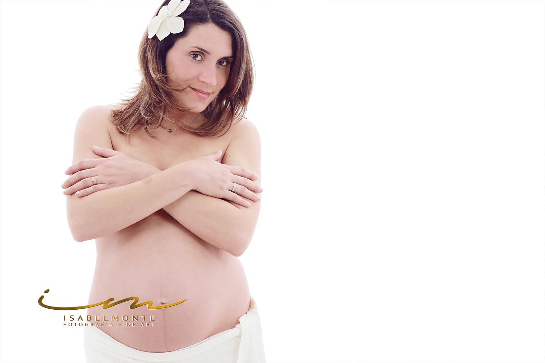 Sessão fotográfica de grávida / maternidade / pré-mamã em estúdio. © 2009-2020 Isabel Monte Fotografia